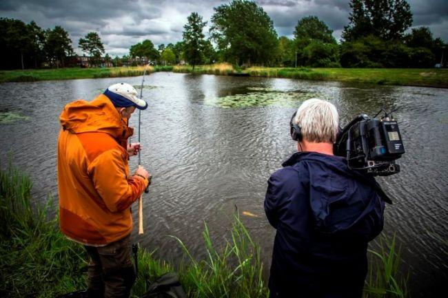 Ed en Marco vissen op zeelt in Almere