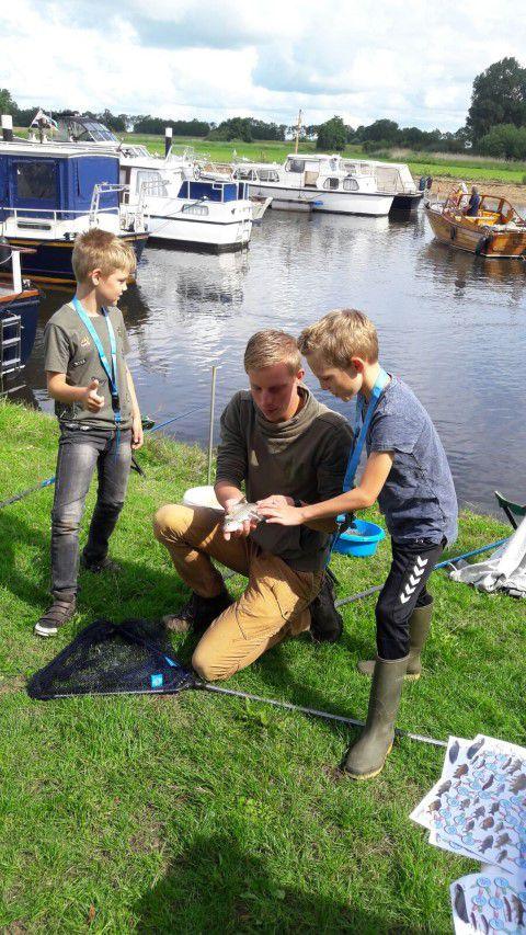 Sven met de jeugd