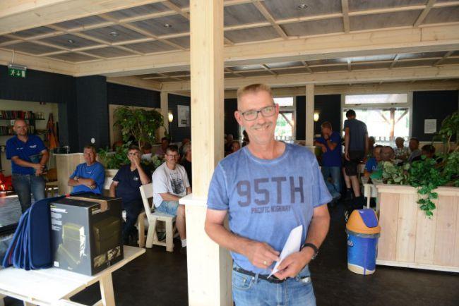 Winnaar F. Harmelink gaat er door de vangst van ruim 20 kg vis met de jackpot vandoor
