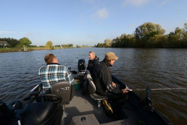 Uitleg doodaas vissen vanuit de boot bij Ingmar
