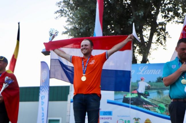 Luciën de Rade individueel wereldkampioen U25.